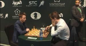 ВИДЕО! Гроссмейстер Александр Бортник сыграл вничью с чемпионом мира